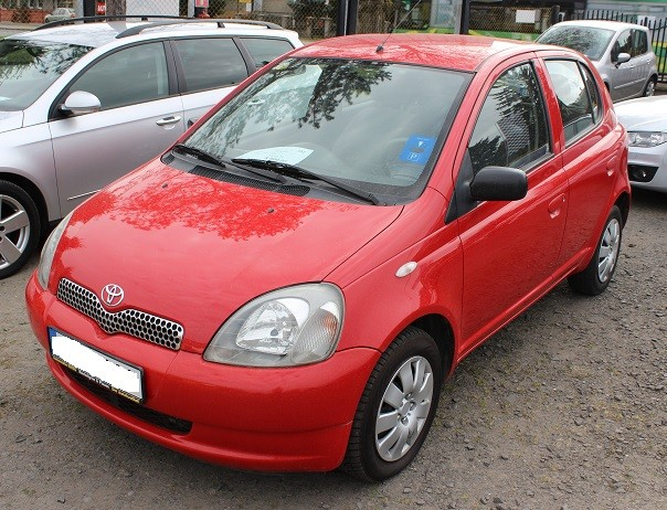 toyota yaris 1999 2003 vin where is vin number find chassis number. Black Bedroom Furniture Sets. Home Design Ideas